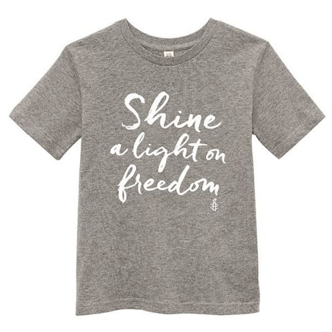 Kinder T-shirt Shine a light on Freedom - grijs